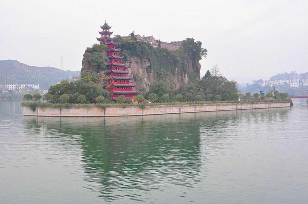 Cruising the Yangtze River