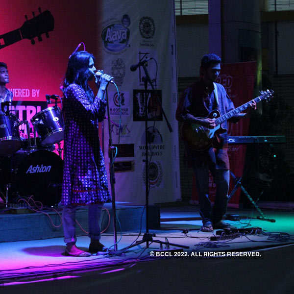 Karma performs at R3 mall