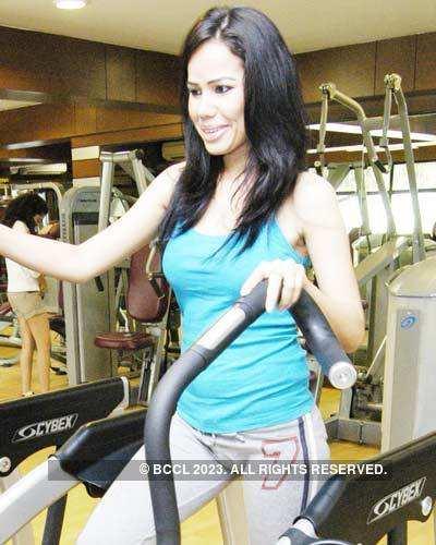 Models at Gold Gym
