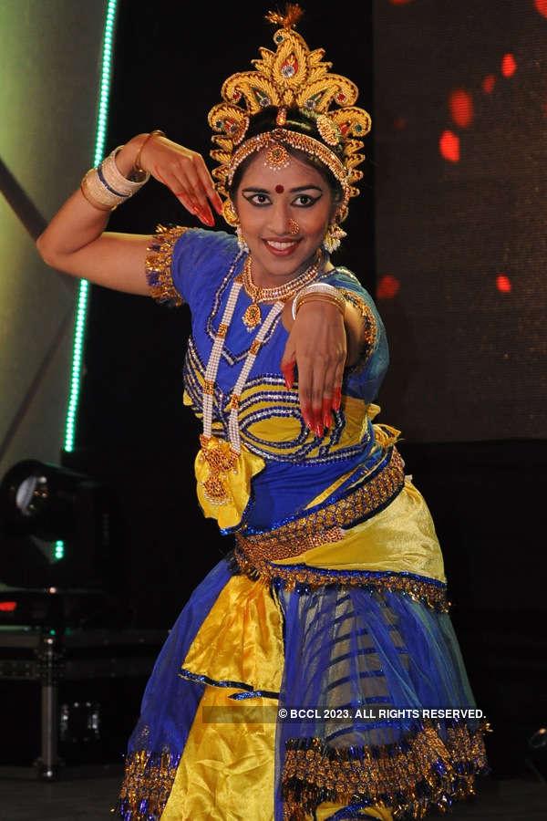 Nitin Gadkari at Gujarati festival
