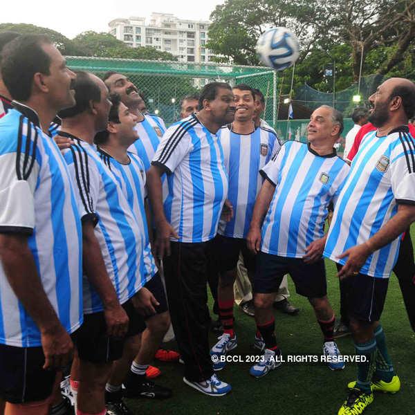 Football match between politicians and celebs