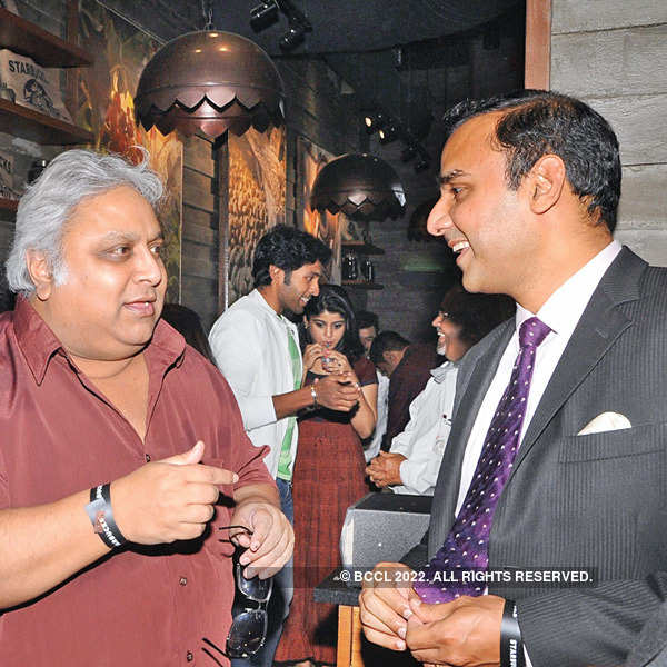 Chennaiites celebrates Starbucks opening