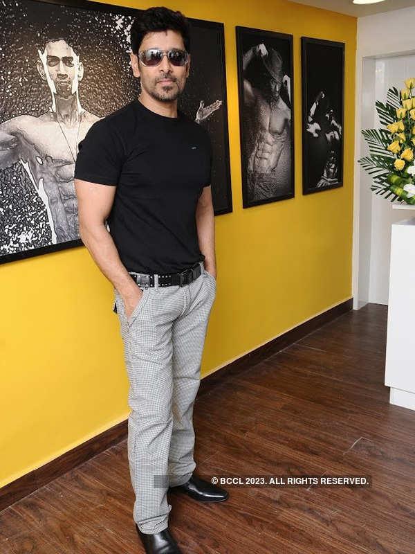 Vikram at Body Shape launch