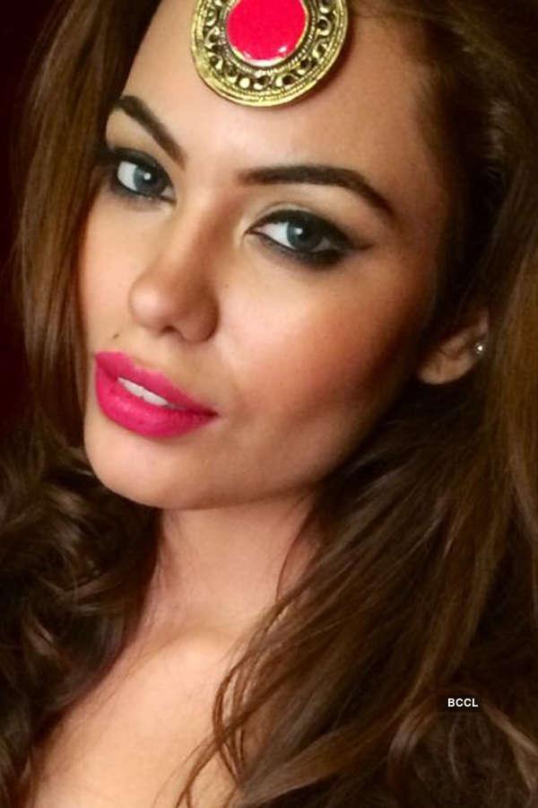 Srishti Rana's Hot Photoshoot for Kimaya