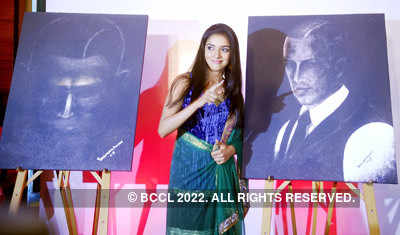 Unveiling 'Ghajini' paintings