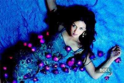 Esha: Sizzling beauty