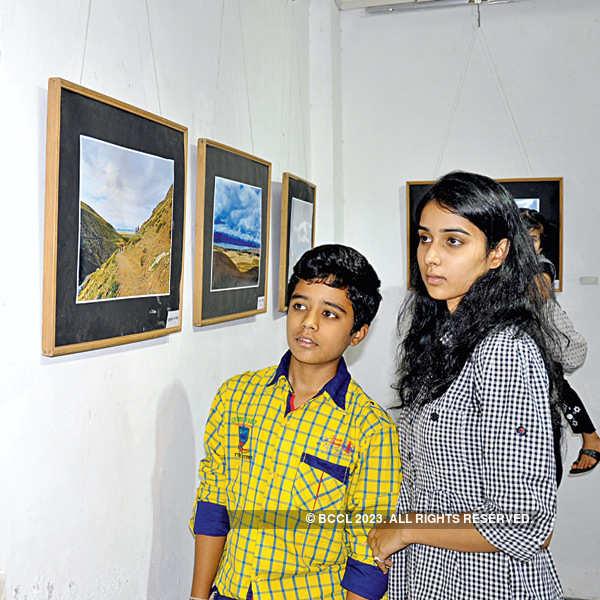Ravindra Puntambekar's photo exhibition in Indore