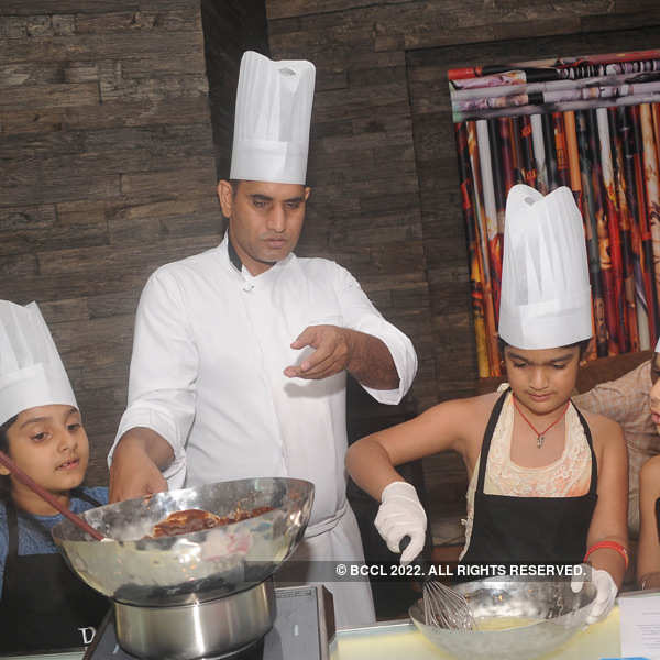 Ritu Beri hosts baking session