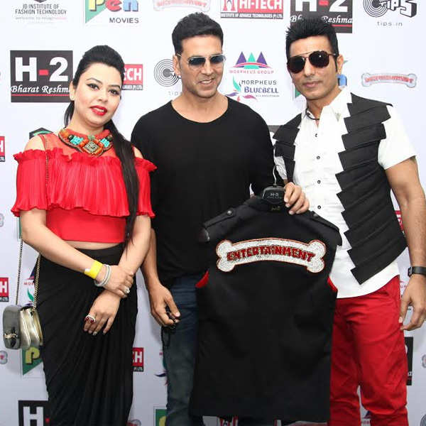Akshay with Bharat Reshma Grover