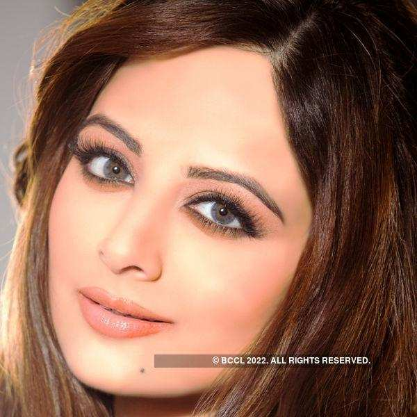 6 things you did not know about Zoya Afroz