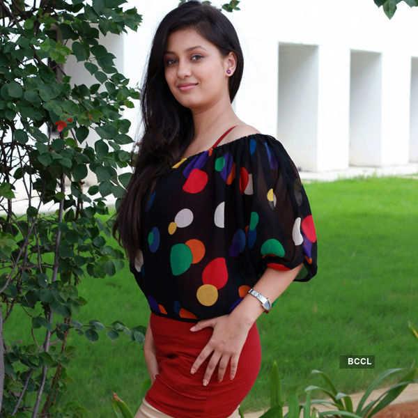 Aavi Kumar: Working Stills