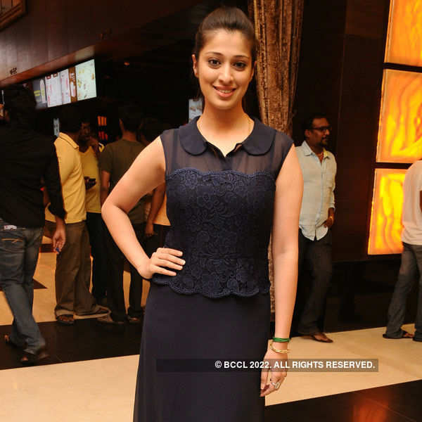 Amara Kaaviyam: Premiere