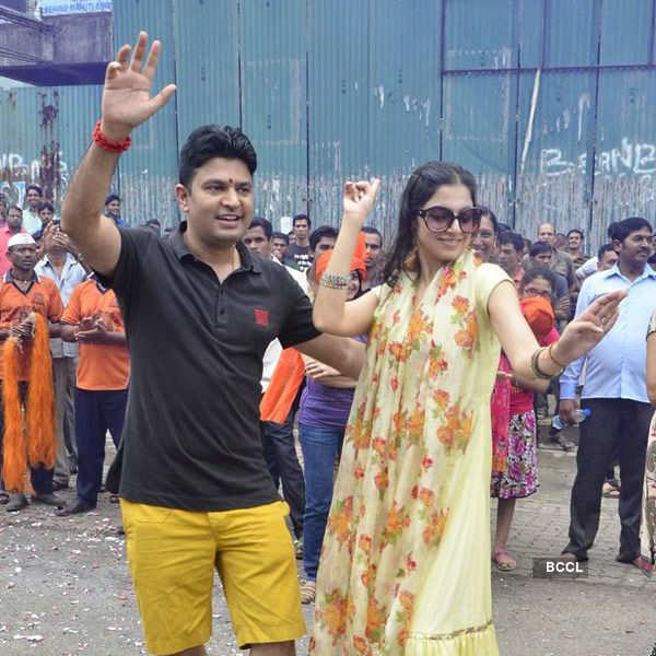 Bollywood Celebs at Ganesh Visarjan