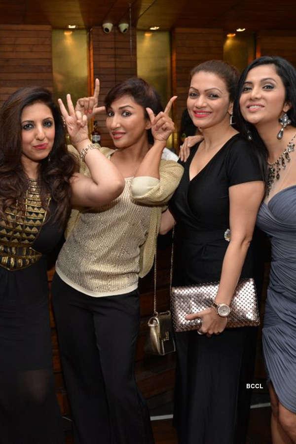 Munisha Khatwani's b'day party