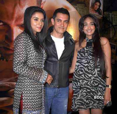 Asin with Aamir