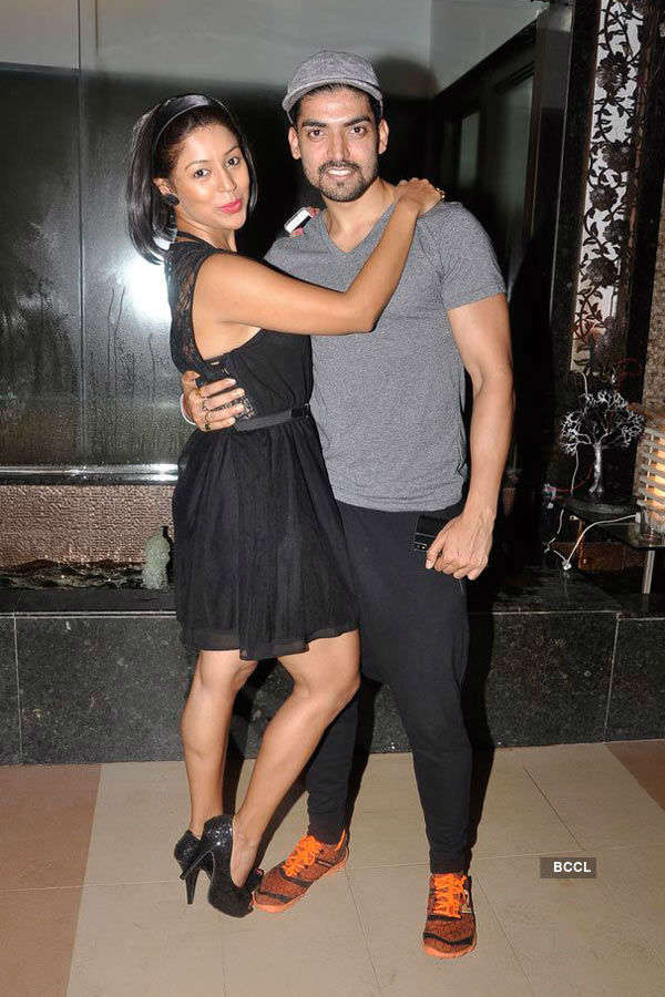 Celebs @ Vije Bhatia's b'day party