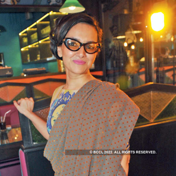 Sabina, AD Singh's fun Parsi party