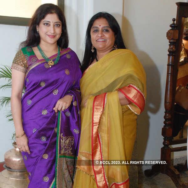 City fashionistas at Jayanagar