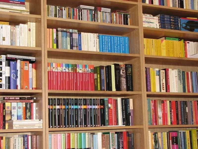 Globus Books