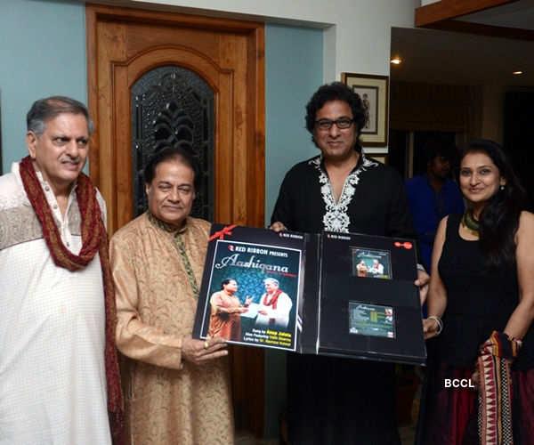 Anup Jalota launches gazal album