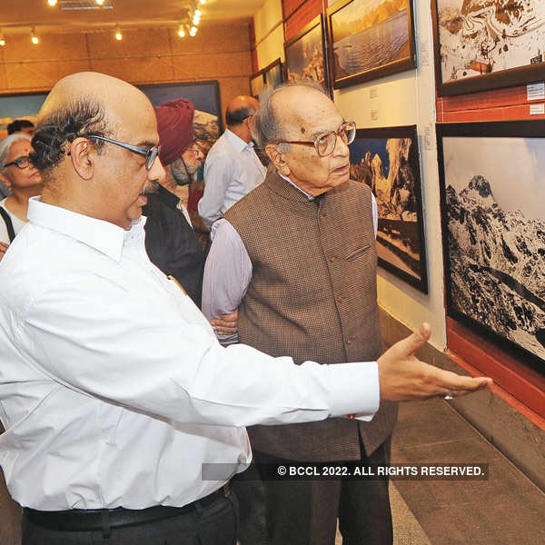 DMRC director's photo exhibition