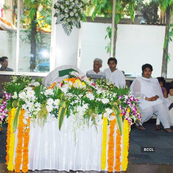 Sadashiv Amarapurkar's prayer meet