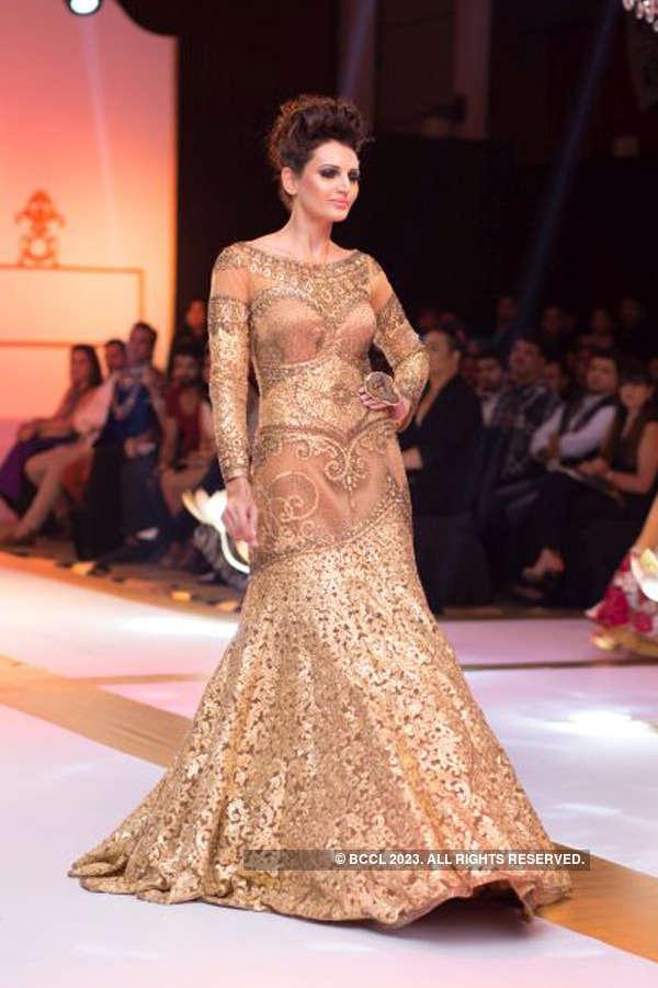 Sikandar Nawaz's fashion show