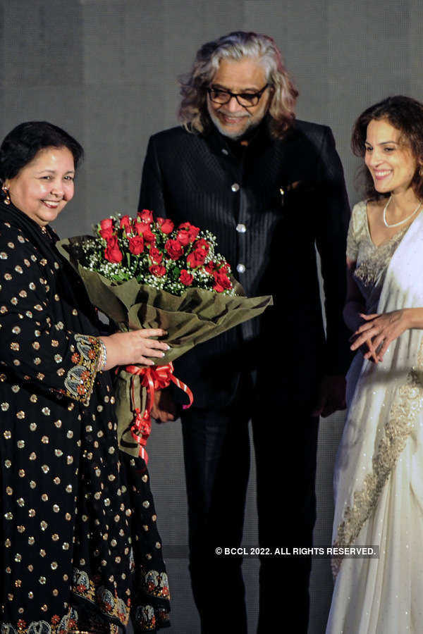Celebs @ Diva'ni Heritage Fashion Show