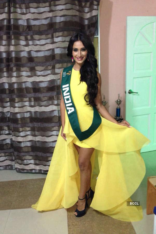 Alankrita Sahai  wins Miss Casual Wear and Miss Pagudpude