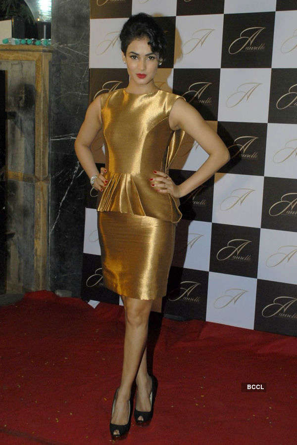 Sonal Chauhan @ store launch