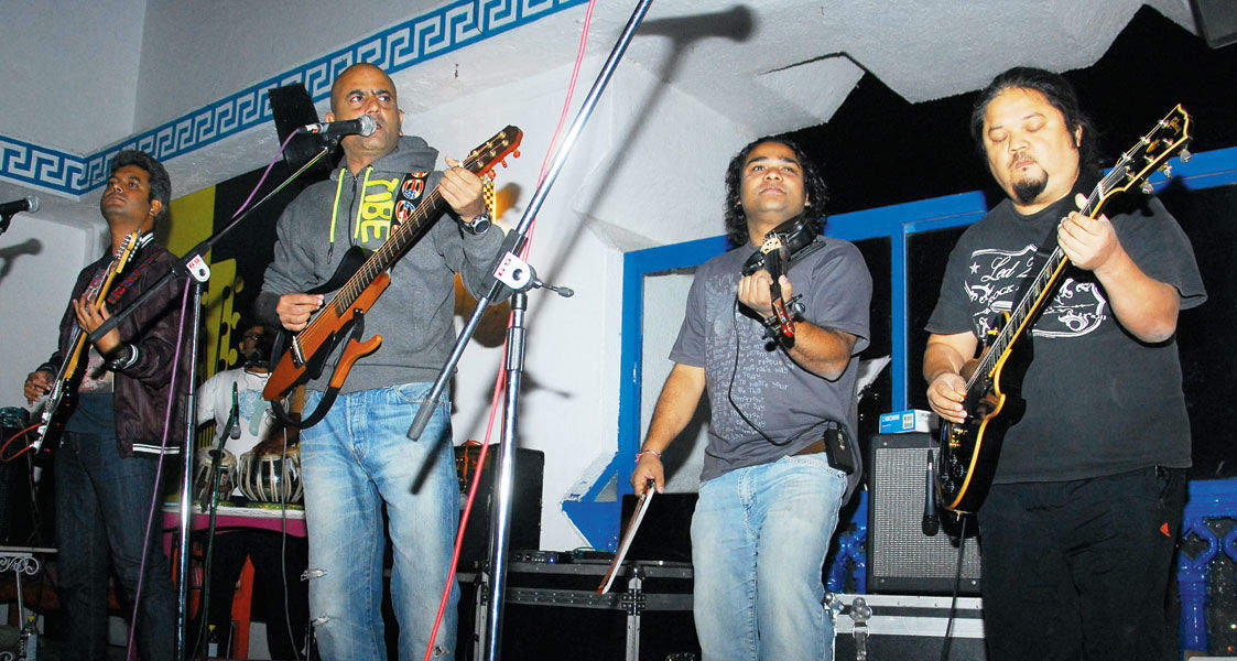 Parikrama perform live