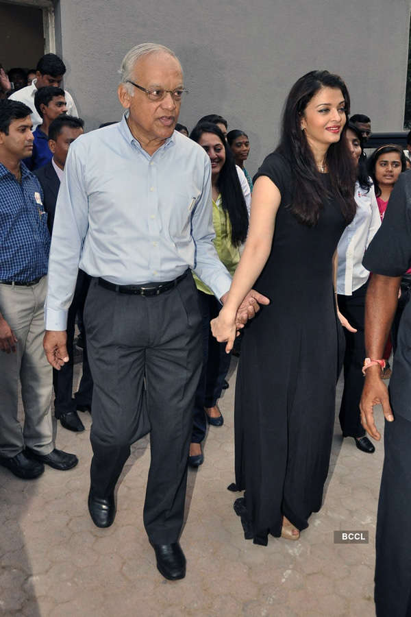 Aishwarya Rai @ Charity event