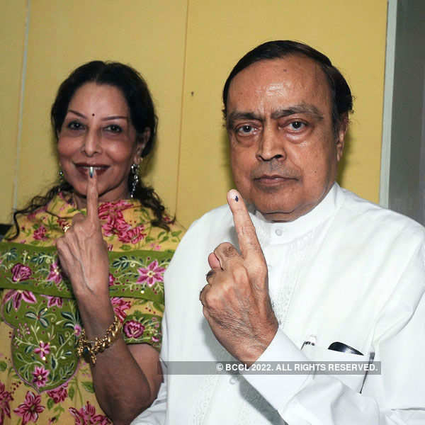 Murli Deora dies of cancer