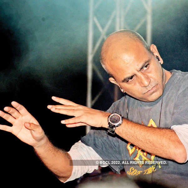 Parikrama band performs at a club in Lucknow