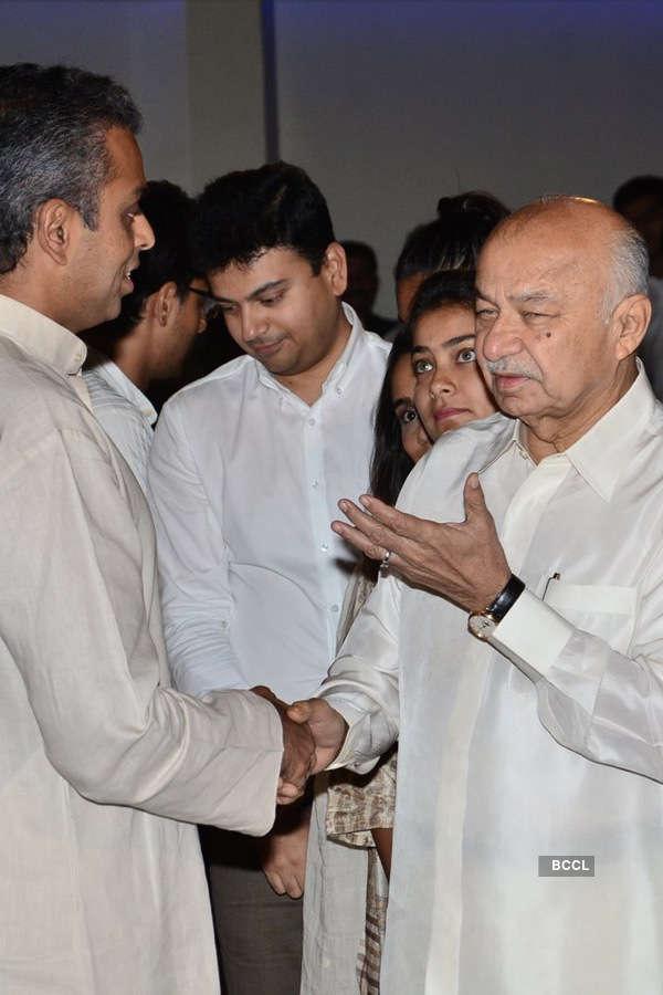 Murli Deora's prayer meet