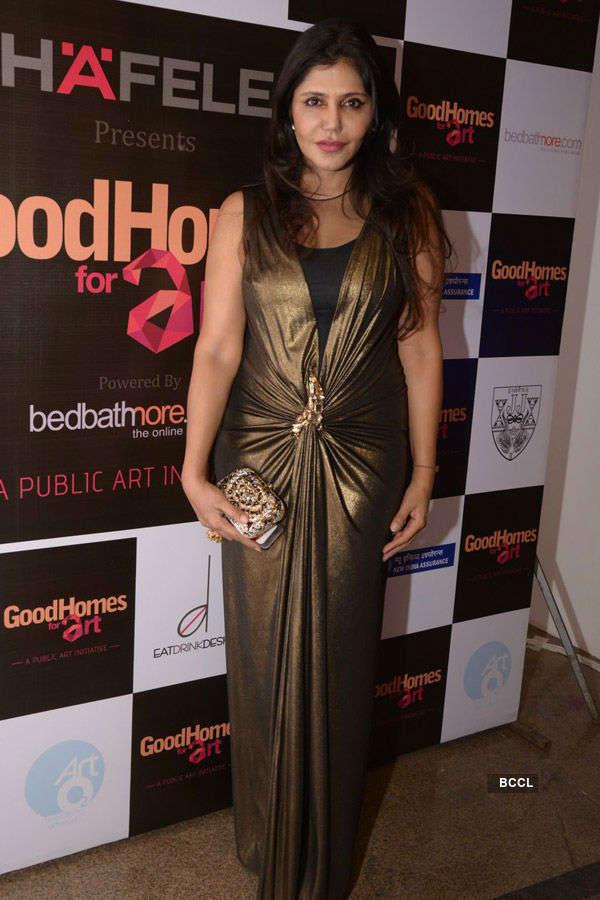 Raveena at an event