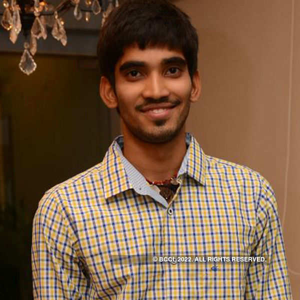 Srikanth throws a party