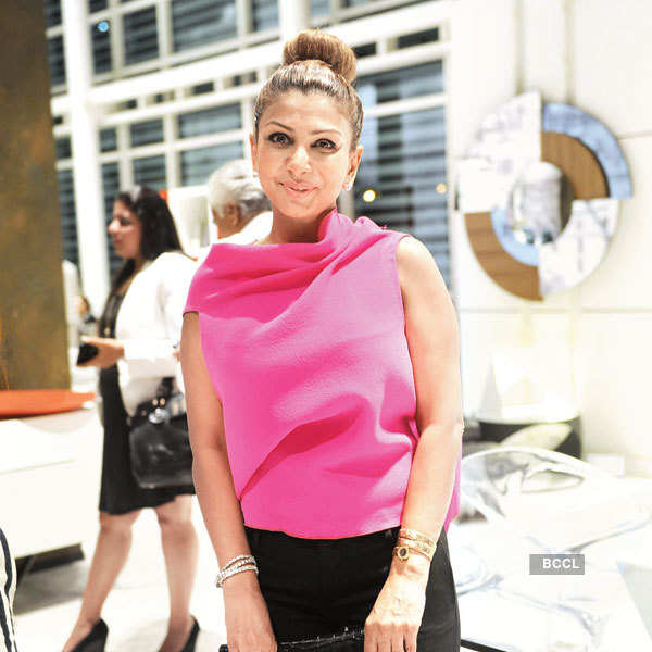 Glamorous cocktail party by Roche Bobois