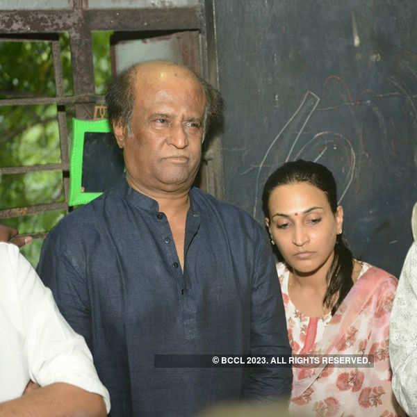 Celebs at Balachander's funeral