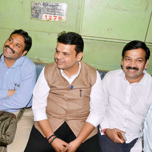 Maha CM travels in local train