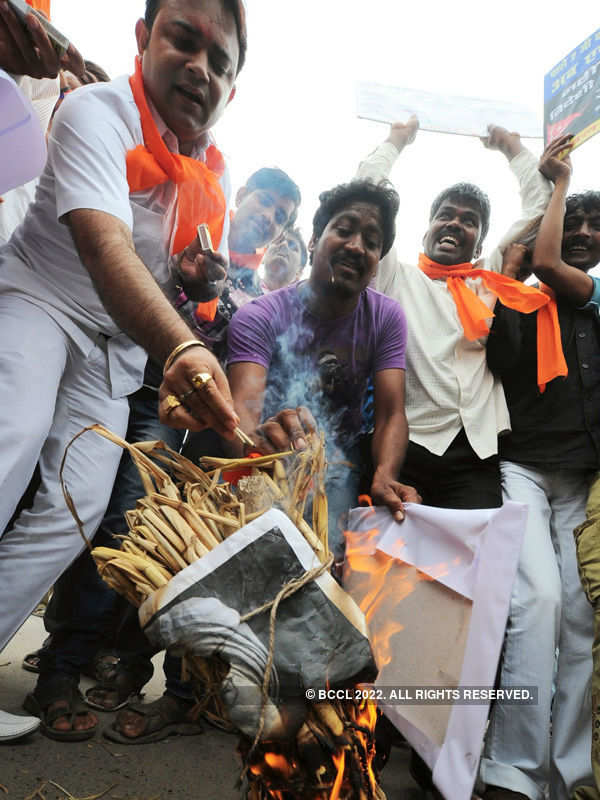 Hindu Mahasabha plans bike rally for Godse