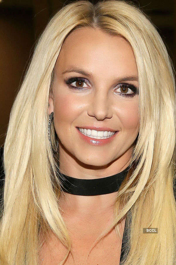 Celebs who used online dating