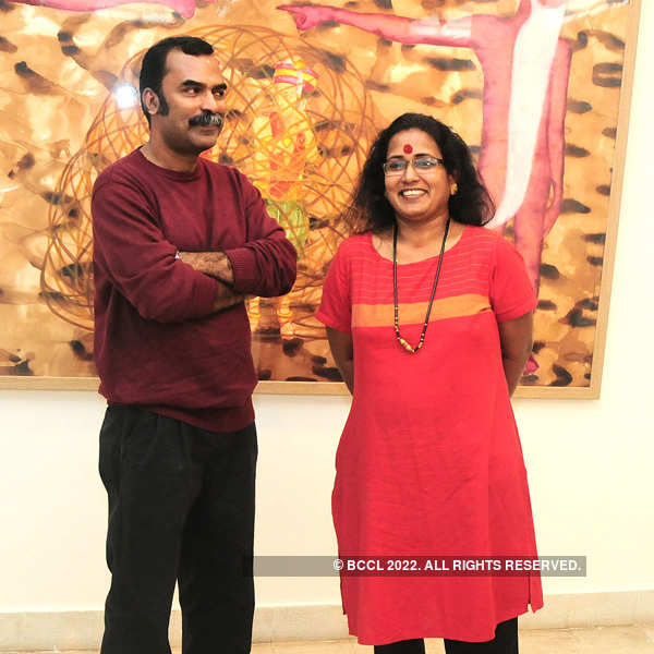 Art lovers under on roof