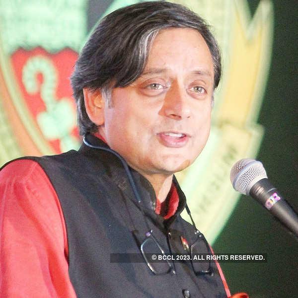 Sunanda murder probe: Cops interrogate Tharoor