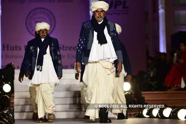 Celebs at Khadi fashion show