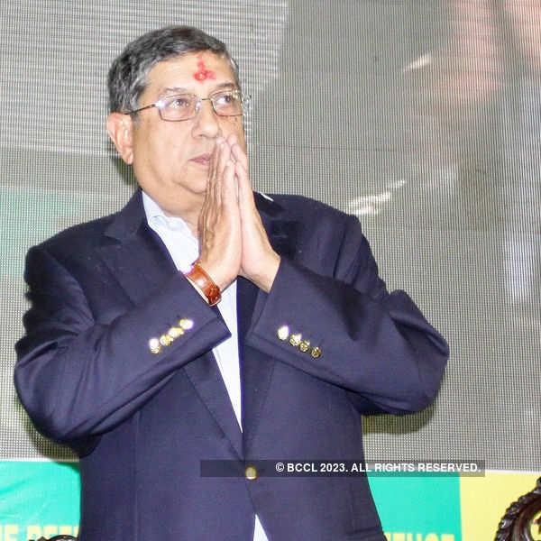 Srinivasan cannot contest BCCI elections: SC