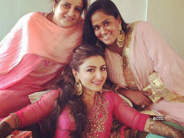 Soha Ali Khan Kunal Khemu S Complete Wedding Coverage