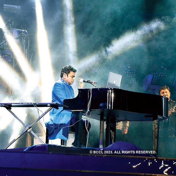 A R Rahman entertains Barodians