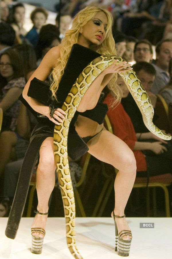 Hotties with snakes