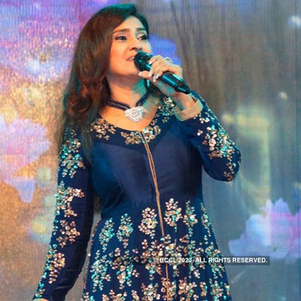 Shraddha Kapoor launches the new album of Lalitya Munshaw